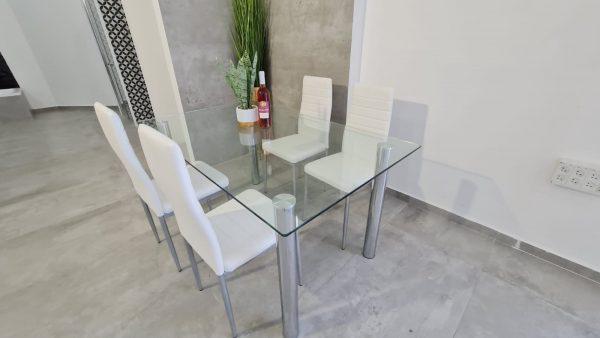 שולחן פינת אוכל זכוכית מרובע