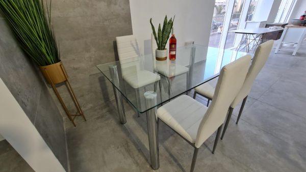 שולחן פינת אוכל משטח זכוכית